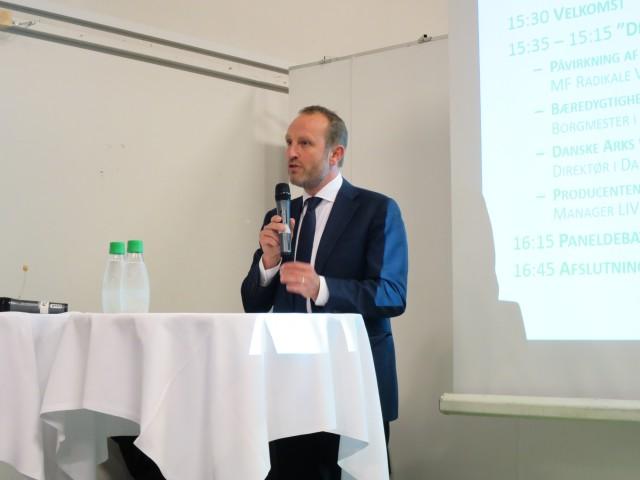 Martin Lidegaaard , MF radikale venstre, giver sit bud på fremtidens bæredygtige byggeri via lovgivning.